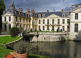280px-Chateau_d'Ermenonville_2